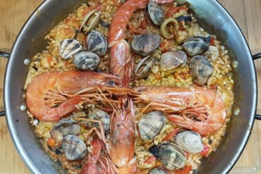receta auténtica para una paella de marisco casera