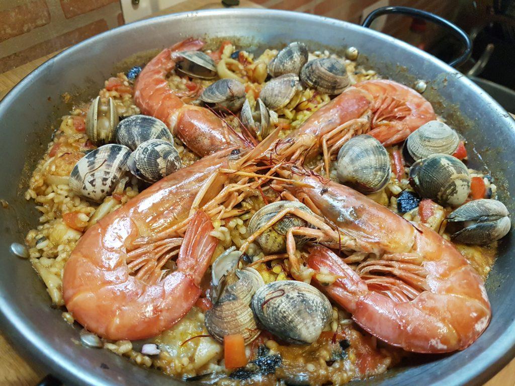 foto de paella de marisco